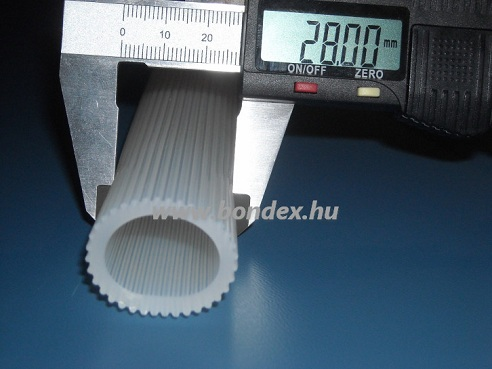 21 x 28 mm-es kívül bordás szilikon szigetelő cső