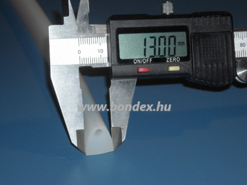 13 mm széles szilikon D profil